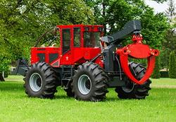 Noul model de tractor forestier IRUM TAF 2012 G